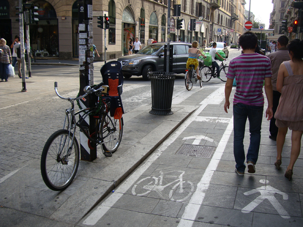 The new bicycle lane, and non-orthodox practices of bicycle parking